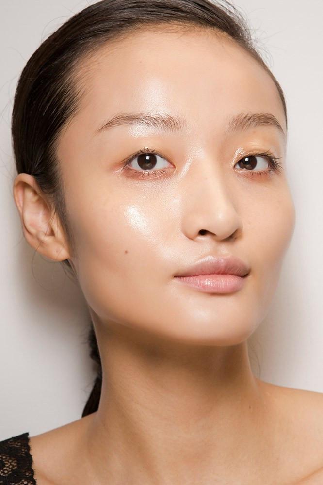 Penggunaan Make Up Untuk Wajah Berjerawat Dan Berminyak Alodokter