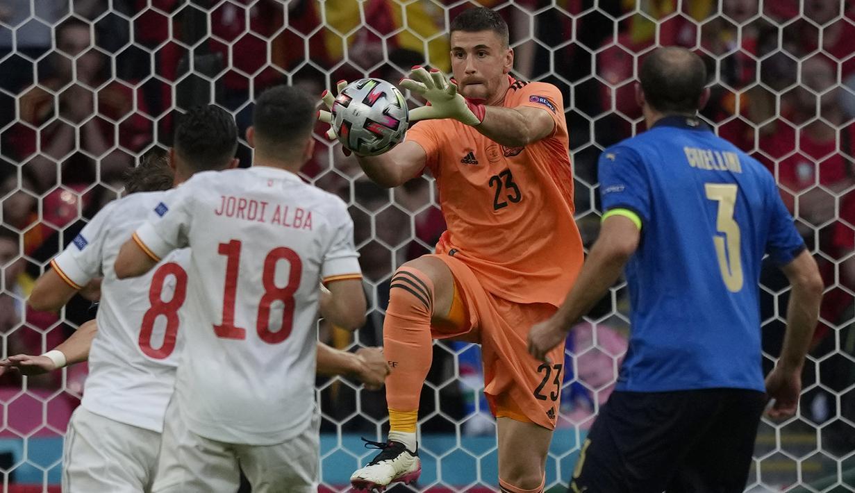 Timnas Spanyol yang telah menjalani laga pertama cabang sepak bola Olimpiade Tokyo 2020 dengan hasil imbang 0-0 melawan Mesir membawa 6 alumnus Euro 2020 dalam skuat mereka. Di samping tampil apik pada Euro lalu, usia mereka juga sesuai dengan regulasi. (Foto: AFP/Pool/Frank Augstein)