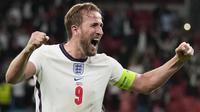 Harry Kane pernah sabet dua kali gelar Star of The Match Euro 2020 ketika Inggris hadapi Jerman di 16 besar dan Denmark di semifinal. Ia tampil gemilang pada dua laga itu meski dirinya dikatakan sebagai pemain yang telat panas di laga-laga awal. (Foto: AFP/Pool/Frank Augstein)