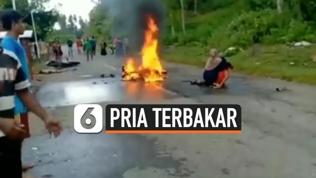PRIA TERBAKAR