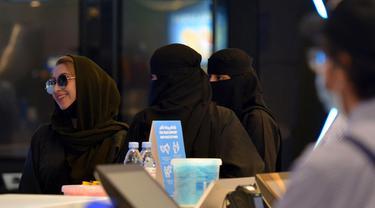 Aktivitas Warga Arab Saudi Pasca Pelonggaran Lockdown