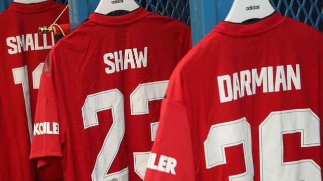 9cbf26728 Ini Nomor Punggung Para Pemain Manchester United - Inggris Bola.com