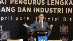 Menkopolhukam, Luhut Binsar Panjaitan menyampaikan pemarannya saat acara pengukuhan dewan pengurus KADIN 2015-2020 di Jakarta, Selasa (5/4). KADIN mengadakan pengukuhan sekaligus rapat pengurus lengkap KADIN. (Liputan6.com/Helmi Afandi)