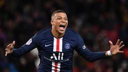 Kylian Mbappe (180 juta euro) - Mbappe menjadi wonderkid yang memiliki market value tertinggi. Pemain berusia 21 tahun ini telah mengoleksi 18 gol dari 20 pertandingannya bersama PSG di musim ini. (AFP/Franck Fife)