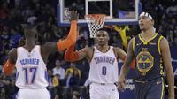 Selebrasi Russell Westbrook (no 0) saat Thunder mengalahkan Warriors di ajang NBA (AP)
