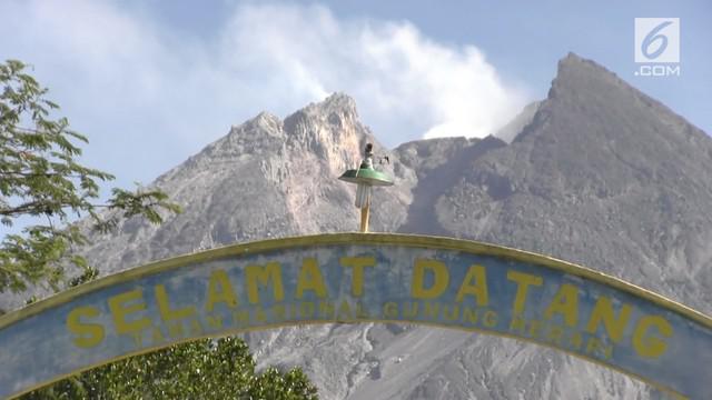 Meningkatnya aktivitas vulkanik Gunung Merapi yang ditandai dengan beruntunnya letusan freatik dan diikuti kegempaan maka BPPTKG PVMBG telah menaikkan status Gunung Merapi dari Normal (level I) menjadi Waspada (level II) yang berlaku sejak  Senin (21...