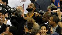 Ekspesi emosional LeBron James setelah mengantar Cleveland Cavaliers menjuarai NBA 2015/2016 dengan mengalahkan Golden State Warriors, Senin ((20/6/2016) WIB. (Reuters/ Cary Edmondson-USA TODAY Sports)