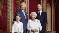 Ratu Elizabeth bersama Tiga Ahli Waris. (Liputan6/IG/@theroyalfamily)