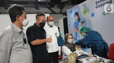 Karyawan Bank Ikuti Vaksin Gotong Royong