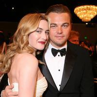 Kate dan Leo saat Golden Globes 2007. ereka duniminasikan dalam 3 kategori. Leo untuk Blood Diamond dan The Departed. Kate menjadi nominator untuk Little Children. (ALEXANDRA WYMAN/WIREIMAGE)