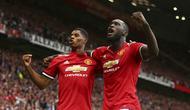 Romelu Lukaku (kanan) yakin bisa menciptakan duet mematikan bersama Marcus Rashford di Manchester United (MU). (AP Photo/Dave Thompson)