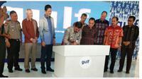PT Gulf Mangan Grup asal Perth, Australia membangun  Smelter di Kawasan Industri (KI) Bolok, Desa Bolok, Kecamatan Kupang Barat,  Kupang, Nusa Tenggara Timur (NTT)