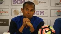 Bek Persib Bandung Supardi Nasir mengatakan timnya menargetkan kemenangan melawan Sriwijaya FC pada laga perdana Grup A Piala Presiden 2018 di Stadion Gelora Bandung Lautan Api, Selasa (16/1/2018). (Liputan6.com/Kukuh Saokani)