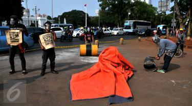 20151001-Aktivis Suarakan Aksi Solidaritas untuk Salim Kancil di Depan Istana -Jakarta