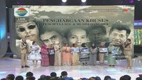 Penghargaan Khusus di Indonesian Dangdut Awards 2018.