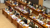 Komisi VIII DPR menggelar rapat kerja dengan Menteri Agama Fachrul Razi. (Liputan6.com/Delvira Hutabarat)