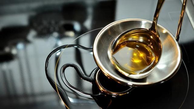 Ilustrasi gambar minyak goreng bekas