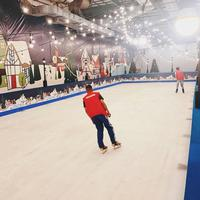 Liburan Akhir Tahun di Ice Rink Winter Wonderland Mall of Indonesia