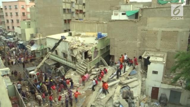 Otoritas Karachi mengatakan selain usia bangunan sudah tua, kualitas bangunan juga di bawah standar.