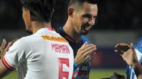 Striker PSIS, Silvio Escobar, saat melawan Persija di Stadion Moch, Soebroto Magelang (26/5/3l2019). (Bola.com/Vincentius Atmaja)