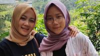 Istri Ridwan Kamil, Atalia Praratya dan sang putri, Camillia Laetitia Azzahra. (dok. Instagram @ataliapr/https://www.instagram.com/p/B2yL2ElH7X_/Putu Elmira)