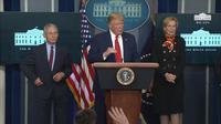 Presiden AS Donald Trump Dr. Anthony Fauci dan Dr. Deborah Birx yang menjadi penasihat Gedung Putih melawan Virus Corona (COVID-19). Dok: Gedung Putih