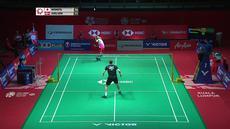 Berita video mengenai salah satu aksi terbaik dalam laga antara Kento Momota vs Viktor Axelsen di turnamen BWF Malaysia Masters 2020.
