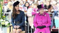 Kate Middleton dan Ratu Elizabeth II. (dok.Instagram @katemiddleton.closet/https://www.instagram.com/p/B1hIvMsHoUE/Henry)