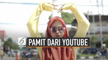 """Ria Ricis mengunggah video berjudul """"Saya Pamit"""" di akun YouTubenya. Ia mengaku sedang berada di titik terendah sebagai YouTuber."""