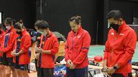Tim Indonesia untuk Piala Sudirman 2021 tengah berdoa bersama sebelum menjalani latihan pertama di Hameenkylan Liikuntahall, Vantaa, Finlandia, Kamis (23/9/2021). (Dok. PBSI)