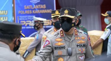 Kakorlantas Polri Irjen Pol Istiono saat melakukan giat pemantauan di wilayah Karawang, Jawa Barat. (Istimewa)