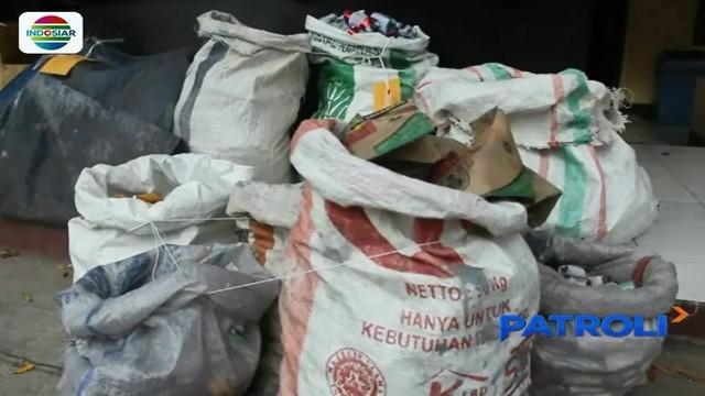 Polres Karawang, Jawa Barat, menggerebek lokasi pembuatan petasan gulung di sebuah semak belukar. Polisi menyita ribuan petasan siap edar dan jual yang nilainya ditaksir mencapai puluhan juta rupiah.