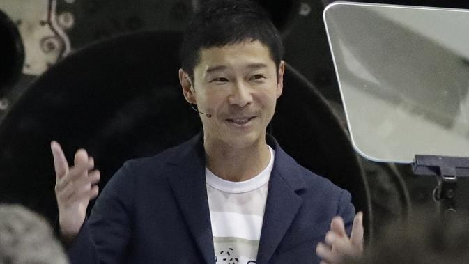 Miliarder Jepang, Yusaku Maezawa, dinobatkan sebagai penumpang pribadi pertama dalam perjalanan roket milik Elon Musk yang keliling Bulan. (Chris Carlson / AP)#source%3Dgooglier%2Ecom#https%3A%2F%2Fgooglier%2Ecom%2Fpage%2F%2F10000