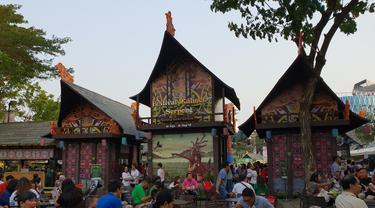 Suasana Festival Kuliner Serpong ketika sore hari yang ramai pengunjung, Kamis (30/8/2018).