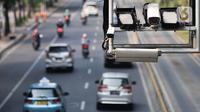 Kamera terpasang pada gerbang Electronic Road Pricing (ERP) di Jalan Medan Merdeka Barat, Jakarta, Rabu (20/11/2019). DKI Jakarta akan mengimplementasikan konsep ERP mulai tahun 2020. (merdeka.com/Iqbal Nugroho)