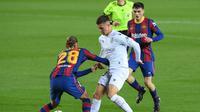 Pedri saat Barcelona melawan Huesca (AFP)