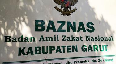 Badan Amil Zakat Nasional (Baznas) Garut, Jawa Barat, akhirnya menetapkan besaran zakat fitrah 1442 H tahun ini, yang harus dikeluarkan para muzakki (bagi mereka yang telah mampu mengeluarkan zakat fitrah) di angka Rp 30 ribu per orang.