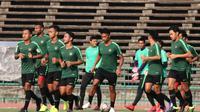 Para pemain Timnas Indonesia U-22 akan mendapatkan bonus istimewa jika mampu mengalahkan Vietnam. (Bola.com/Zulfirdaus Harahap)