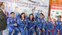 Tujuh guru Indonesia lulusan program Honeywell HESA. Liputan6.com/Faizal Fanani