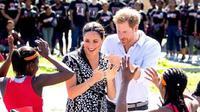 Meghan Markle dan Pangeran Harry disambut meriah saat tur kerajaan di Afrika Selatan (Dok.Instagram/@sussexroyal/https://www.instagram.com/p/B2w0n1ZFSbd/Komarudin)