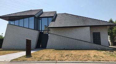 Tak Biasa, Ini 6 Desain Rumah Aneh yang Bikin Geleng Kepala