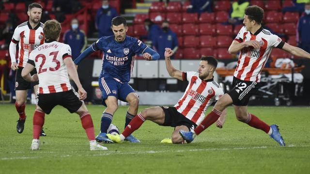 Alexandre Lacazette 2 Gol, Arsenal Gulung Sheffield United
