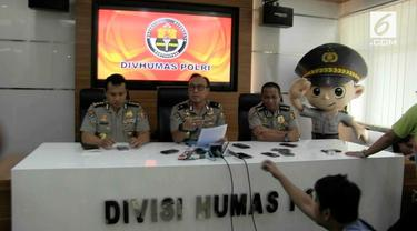 Satgas Antimafia Bola menangkap NS wasit yang mengatur pertandingan antara Persibara Banjarnegara melawan PS Pasuruan. NS menerima upah sebesar Rp 45 juta
