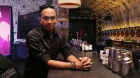 Sejak dulu pembajakan sudah menjadi gurita raksasa dalam industri hiburan. Ge Pamungkas pun mengatakan tak gampang melawan iming-iming harga murah dari aksi pembajakan. (Deki Prayoga/Bintang.com)