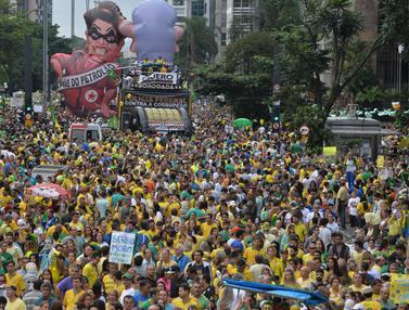 20160313-Rakyat Brasil Turun ke Jalan Tuntut Presiden Rousseff Lengser-Brasil