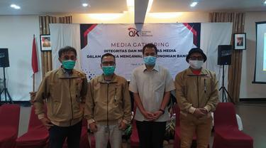 Perwakilan wartawan dari beberapa media dalam pelaksaan media gathering integritas dan netralitas media dalam rangka mengawal perekonomian bangsa yang dilakukan OJK Tasikmalaya, di Garut, Jawa Barat.