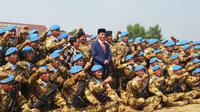Jokowi lepas pasukan perdamaian dunia dari Kontingen Garuda. (Liputan6.com/Hanz Jimenez Salim)