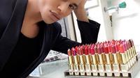Lipstik kolaborasi Loreal dan Balmain segera hadir di Indonesia.