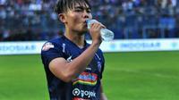 Pemain muda Arema FC, Vikrian Akbar. (Bola.com/Iwan Setiawan)