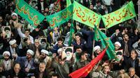 Demonstrasi di Iran yang berawal pada Kamis, 28 Desember 2017. Demo dilaporkan terjadi berlarut-larut dan menyebar ke beberapa kota (AFP)